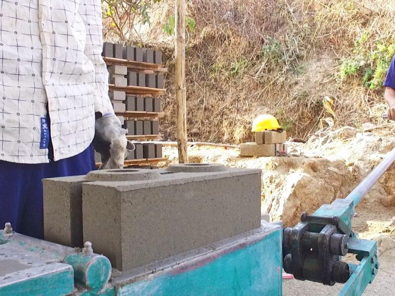Interlocking CSEB Brick machine